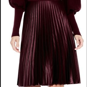 Vince-Camuto-Pleated-Skirt-Deep-Claret-10